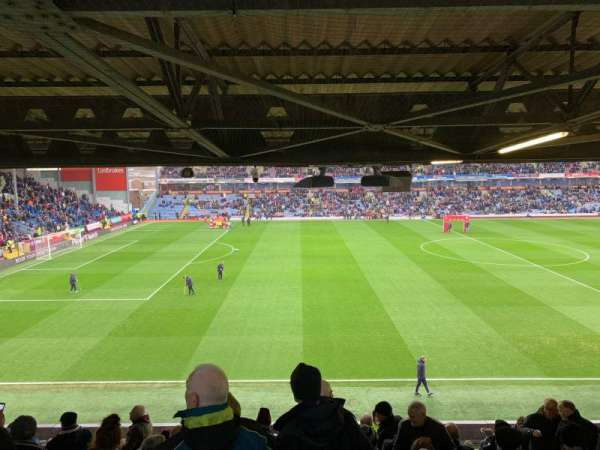 Turf Moor, section: Bob Lord Block 5, row: T, seat: 121