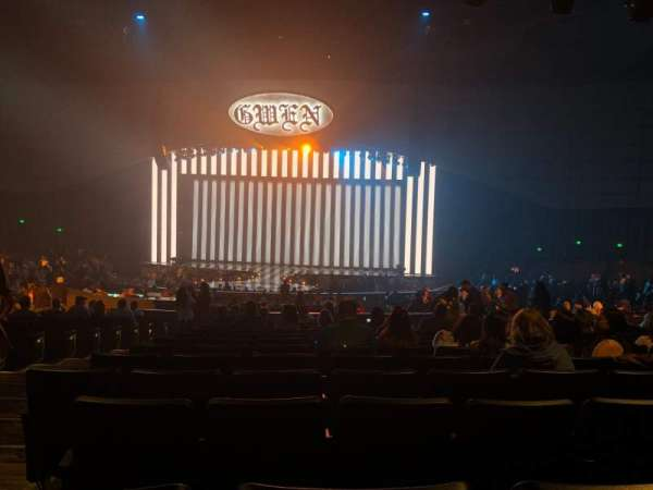 Zappos Theater, section: 204, row: S, seat: 16