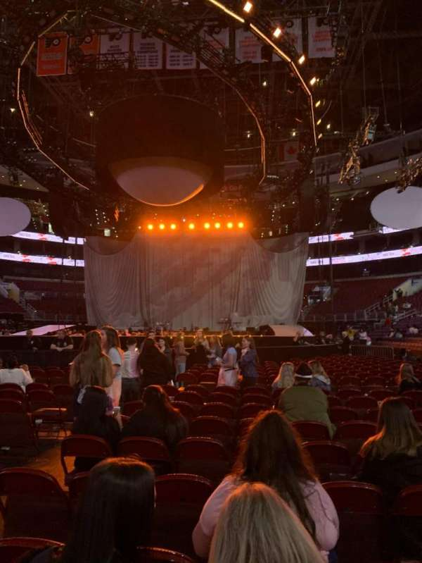 Wells Fargo Center, section: FLOOR 6, row: 10, seat: 5