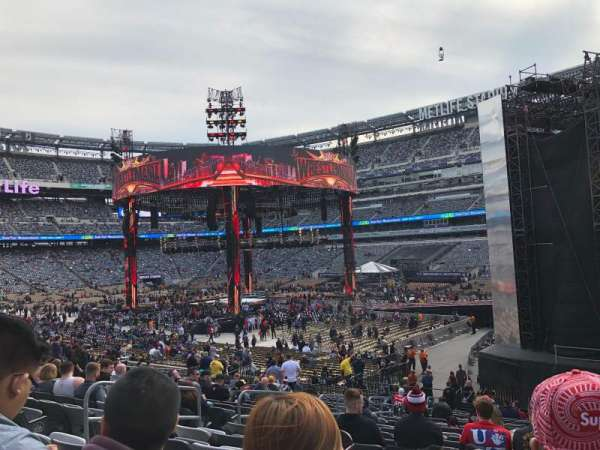 MetLife Stadium, section: 108, row: 25, seat: 17