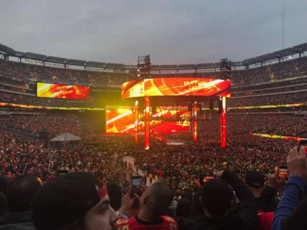 MetLife Stadium, section: 129, row: 33, seat: 2