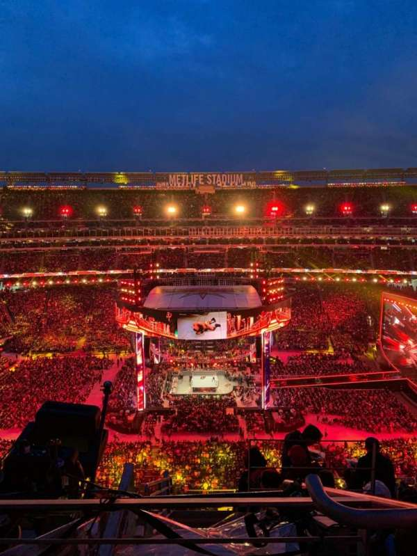 MetLife Stadium, section: 313, row: 12, seat: 26