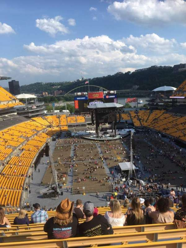 Heinz Field, section: 521, row: Z, seat: 9