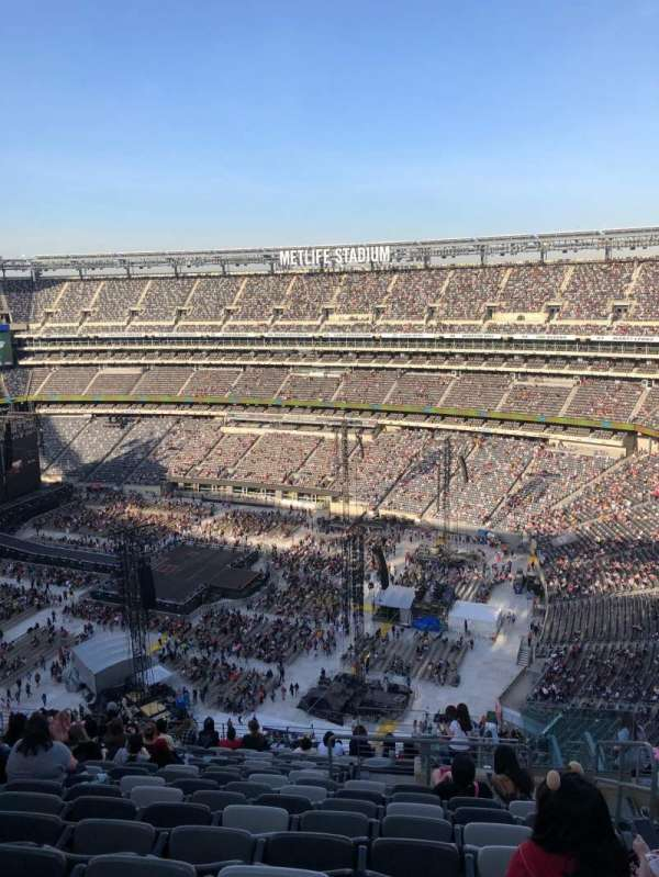 MetLife Stadium, section: 334, row: 20, seat: 1