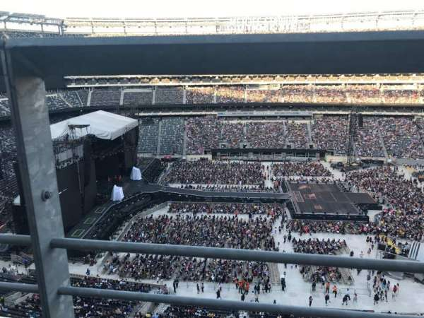 MetLife Stadium, section: 339, row: 1, seat: 18