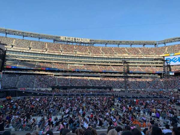 MetLife Stadium, section: 140, row: 14, seat: 18