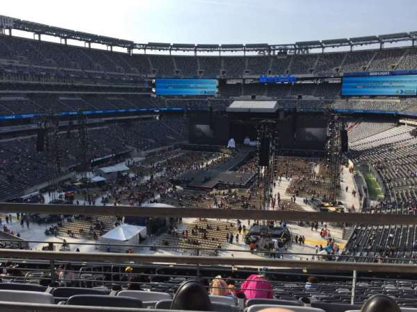 MetLife Stadium, section: 224b, row: 1, seat: 2