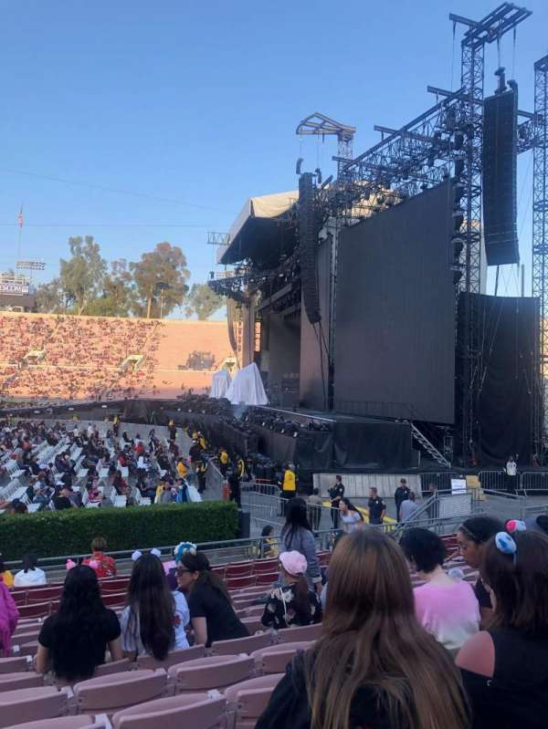 Rose Bowl, section: 20-H, row: 12, seat: 107