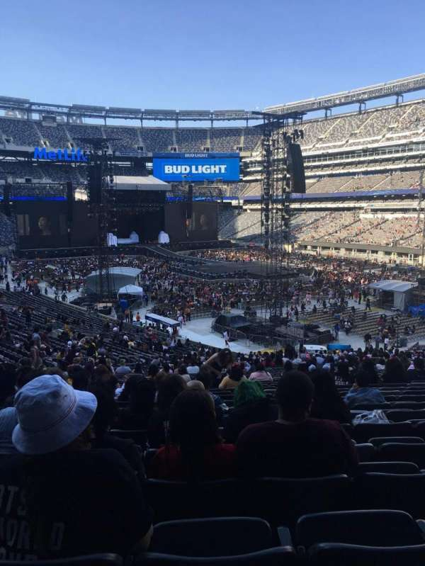 MetLife Stadium, section: 131, row: 39, seat: 13