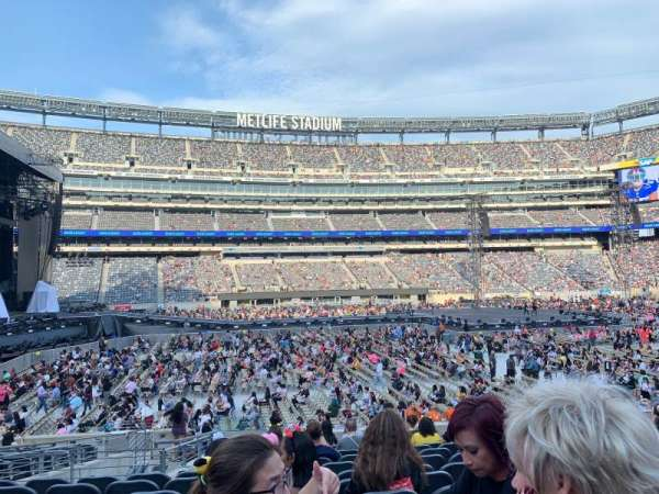 MetLife Stadium, section: 140, row: 18, seat: 22