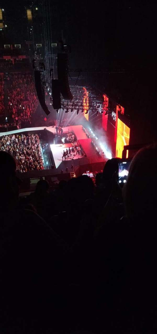 The O2 arena, section: 422, row: E, seat: 466