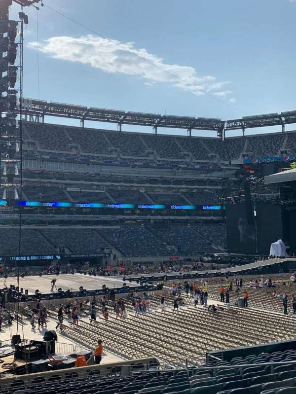 MetLife Stadium, section: 115A, row: 21, seat: 11