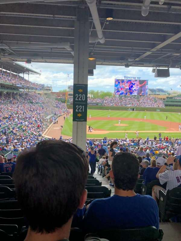 Wrigley Field, section: 220, row: 15, seat: 25