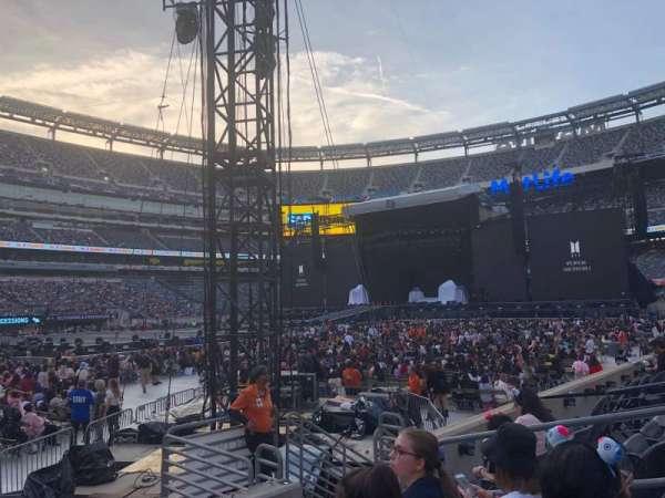 MetLife Stadium, section: 116, row: 2, seat: 10