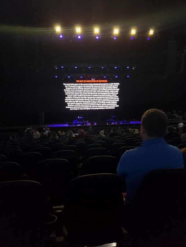 Hollywood Casino Amphitheatre (Tinley Park), section: 103, row: EE, seat: 34