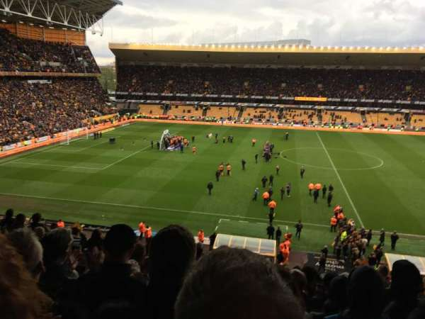Molineux Stadium, section: W5, row: S, seat: 147