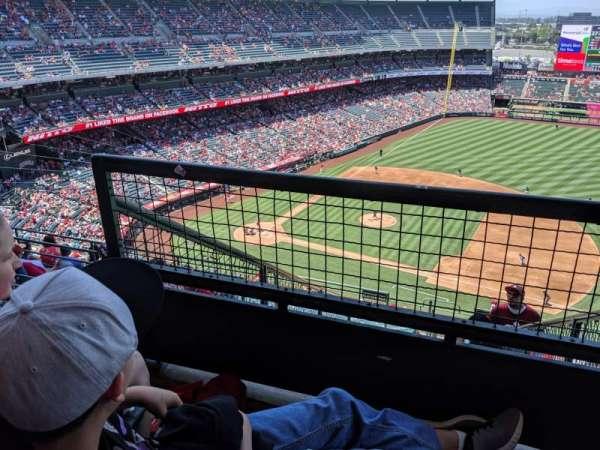 Angel Stadium, section: 529, row: F, seat: 3