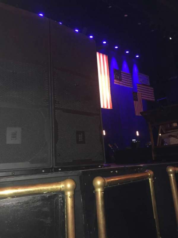 Beacon Theatre, section: Orchestra left, row: BB