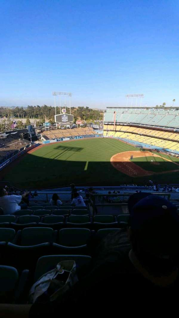 Dodger Stadium, section: 33RS, row: hh, seat: 15