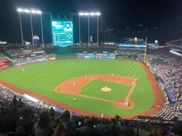 Kauffman Stadium, section: 415, row: GG, seat: 20