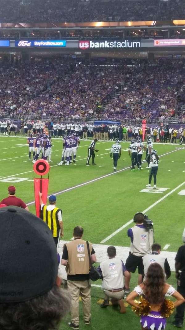 U.S. Bank Stadium, section: 129, row: 3