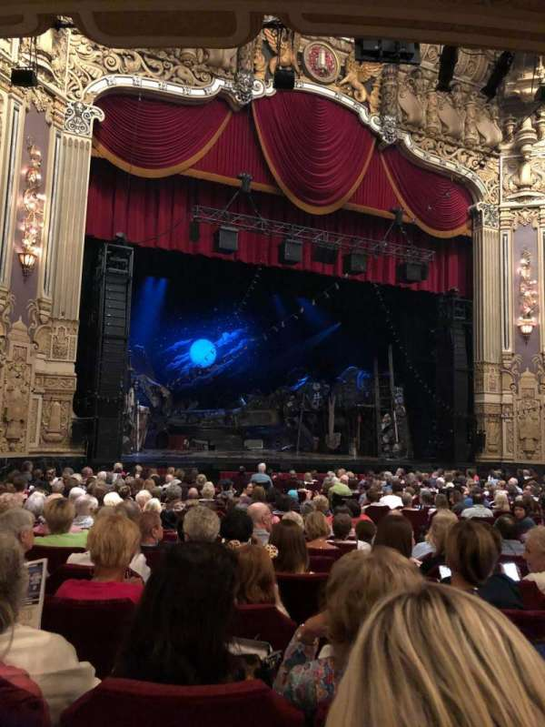 Nederlander Theatre (Chicago), section: Orchestra L, row: V, seat: 17
