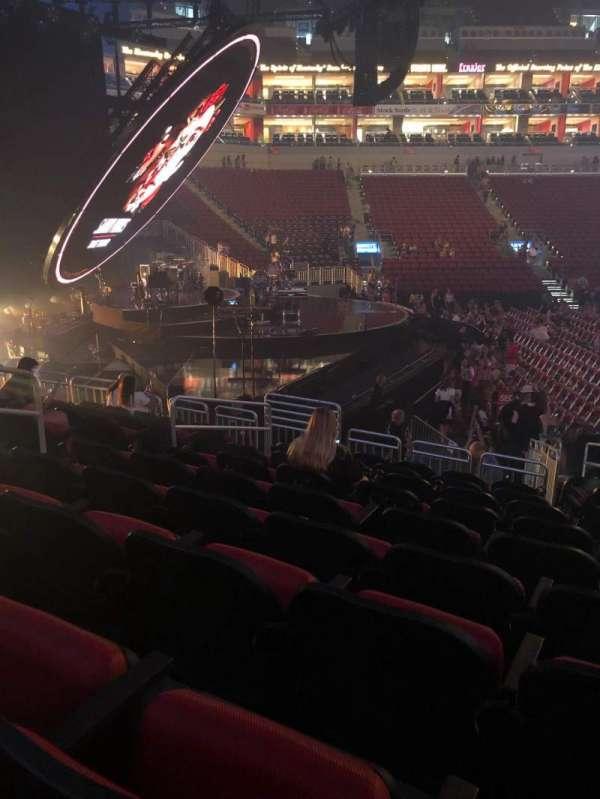 KFC Yum! Center, section: 118, row: R, seat: 8