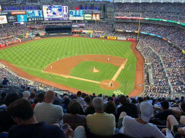 Yankee Stadium, section: 421, row: 13, seat: 19