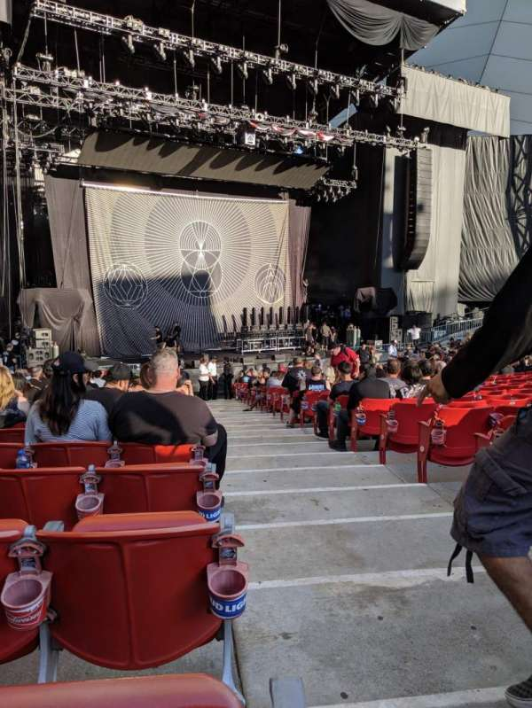 Shoreline Amphitheatre, section: 103, row: T, seat: 1