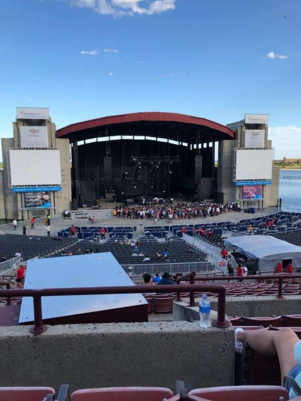 Jones Beach Theater, section: 10R, row: FF, seat: 15