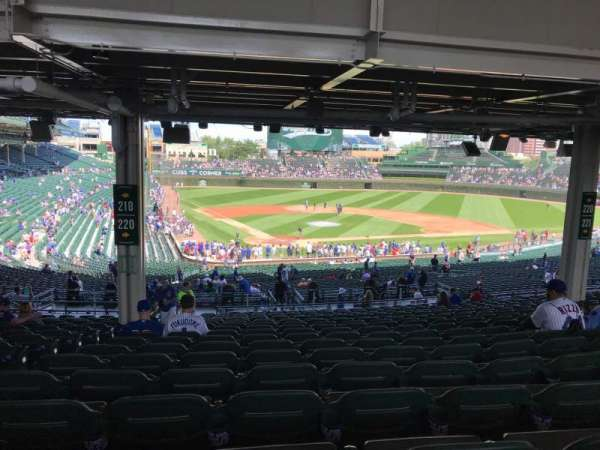 Wrigley Field, section: 220, row: 20, seat: 4