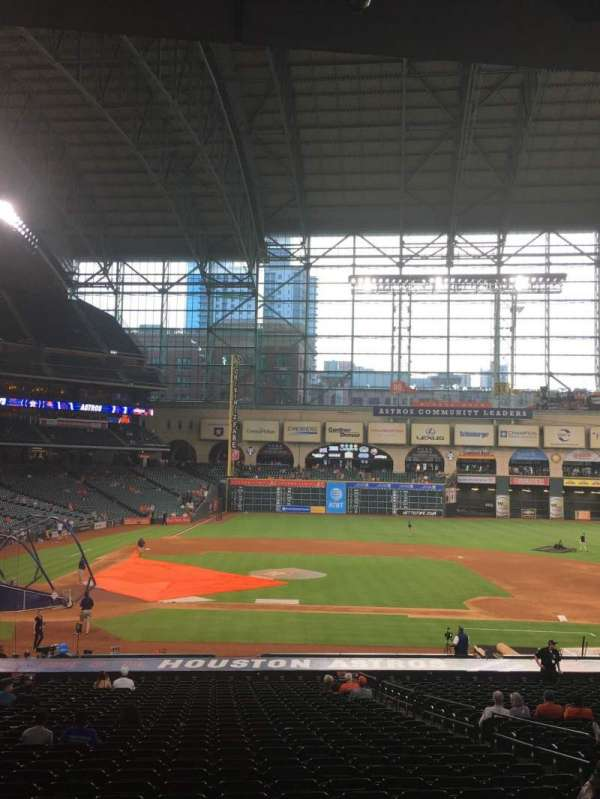 Minute Maid Park, section: 124, row: 35, seat: 8