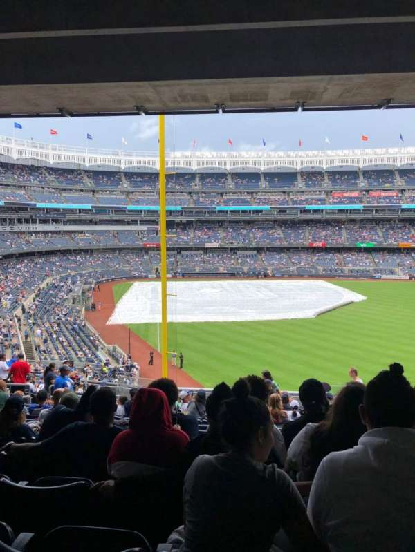 Yankee Stadium, section: 207, row: 20, seat: 6