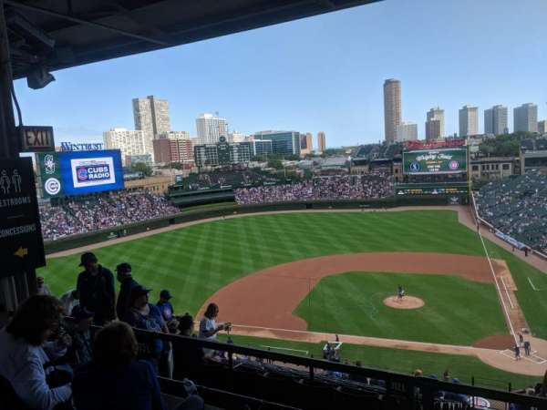 Wrigley Field, section: 413L, row: 3, seat: 7