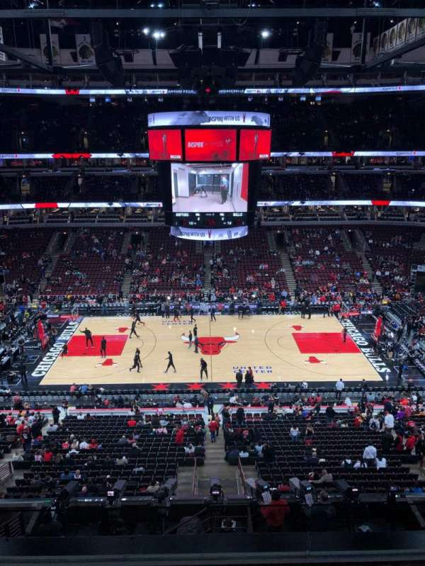 United Center, section: 317, row: 5, seat: 3