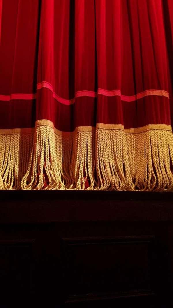 Garrick Theatre, row: AA, seat: 10