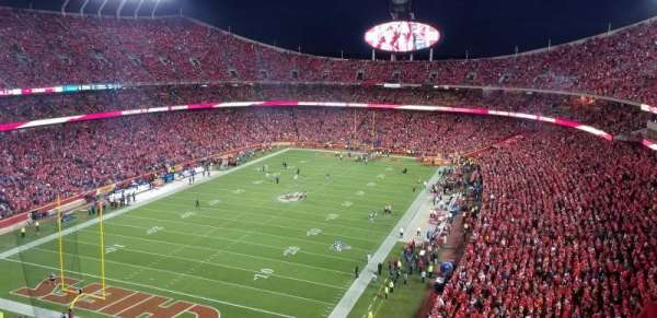 Arrowhead Stadium, section: 332, row: 15, seat: 21