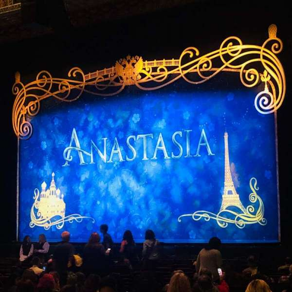 Hollywood Pantages Theatre, section: Orchestra R, row: W, seat: 2