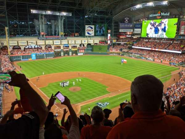 Minute Maid Park, section: 321, row: 3, seat: 5