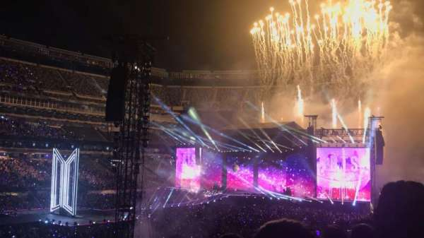 MetLife Stadium, section: 117, row: 30, seat: 10