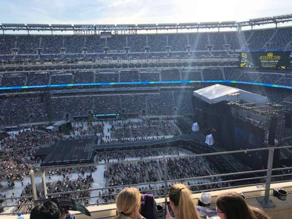 MetLife Stadium, section: 313, row: 3, seat: 12