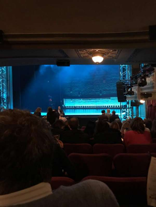 Broadhurst Theatre, section: Orchestra R, row: Q, seat: 18