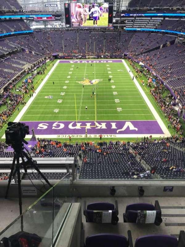 U.S. Bank Stadium, section: 326, row: D, seat: 2