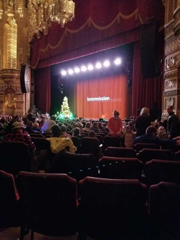 Fox Theatre (Detroit), section: F6, row: T, seat: 604