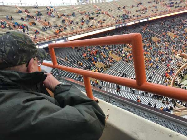Neyland Stadium, section: EE, row: 1, seat: 31