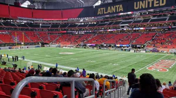 Mercedes-Benz Stadium, section: 105, row: 24, seat: 20