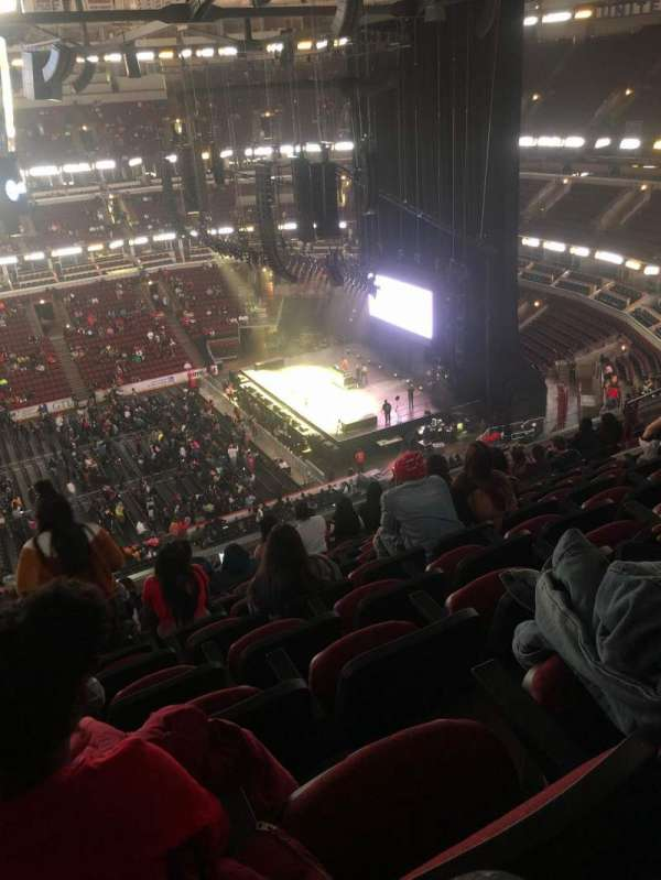 United Center, section: 334, row: 10, seat: 15