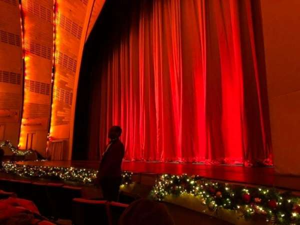 Radio City Music Hall, section: Orchestra 2, row: EE, seat: 201