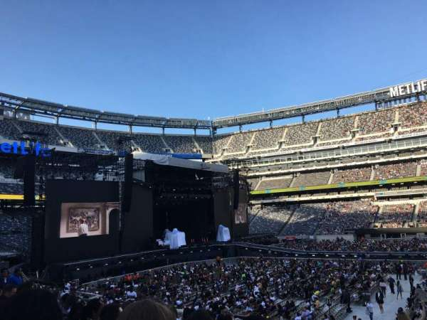 MetLife Stadium, section: 139, row: 23, seat: 3
