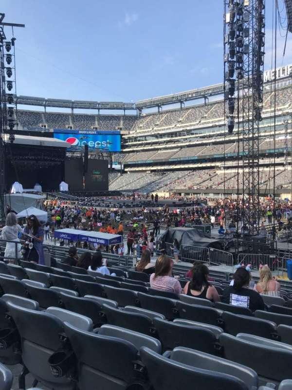 MetLife Stadium, section: 133, row: 11, seat: 4